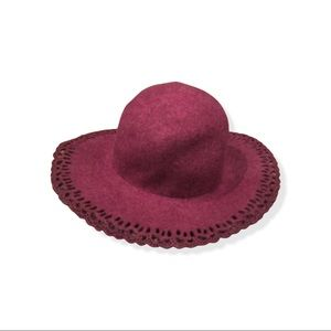 NWT Merona Scalloped Wine Wool Hat